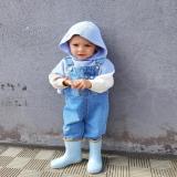 Niko ya está preparado para el tiempo que se avecina ⛈ Y vuestros peques ¿lo están? Con nuestra nueva colección de botas de agua disfrutaran como lo que son ¡niños! 5 modelos disponibles en nuestra web ¡unidades limitadas! . . #botasdeagua #modainfantilespañola #modasostenible #modaecológica #ethicalkidsfashion #calzadoinfantil #calzadoniños #botasniños